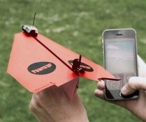 powerup-paper-plane-smartphone-controlled-300x250
